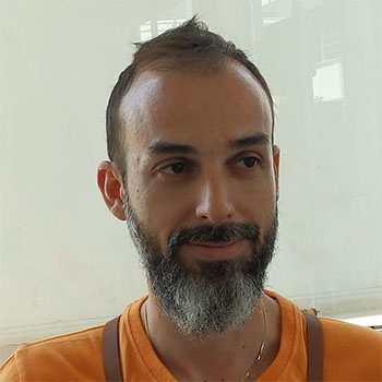 """Γιώργος Ταλιαδώρος. Chief stylist και salon manager στο """"hair story Παλλήνη""""."""