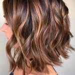 Καρέ μαλλιά με διάφορες τεχνικές χρώματος